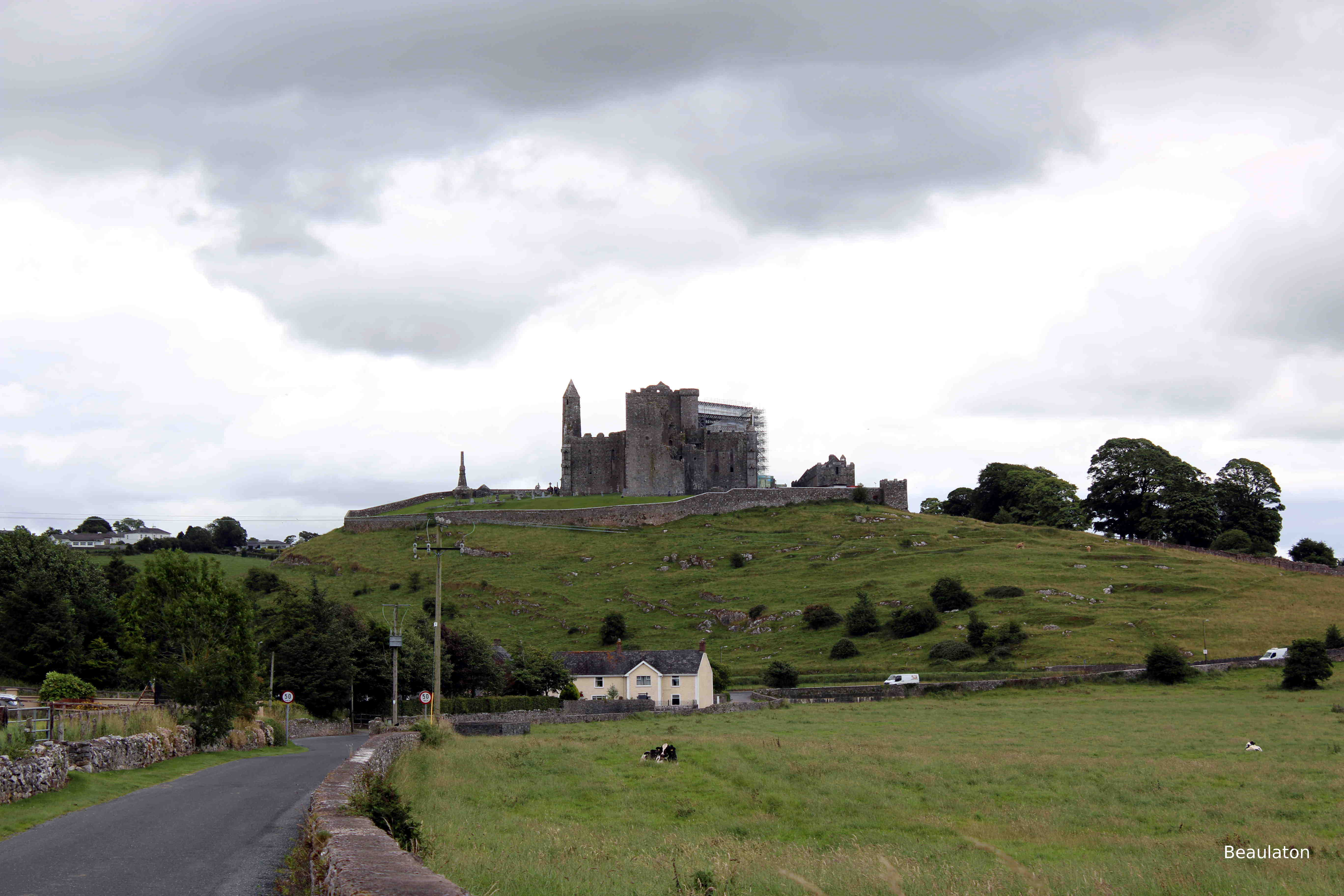 d6_Rock_of_Cashel.jpg